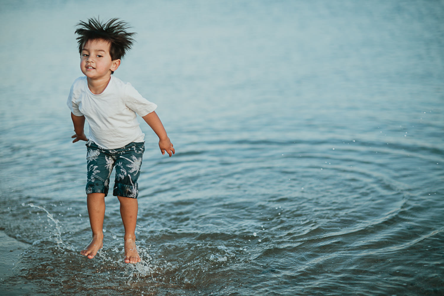 Photo of child in Port melbourne in the water at the Beach - Port Melbourne Photographer