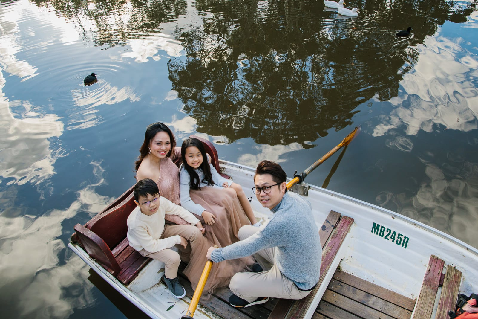 Family Photography Locations in Melbourne - Studley Park Boathouse - Family in rowing boat